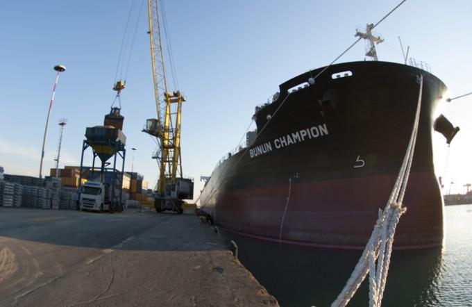 impatto-trasporto-via-nave